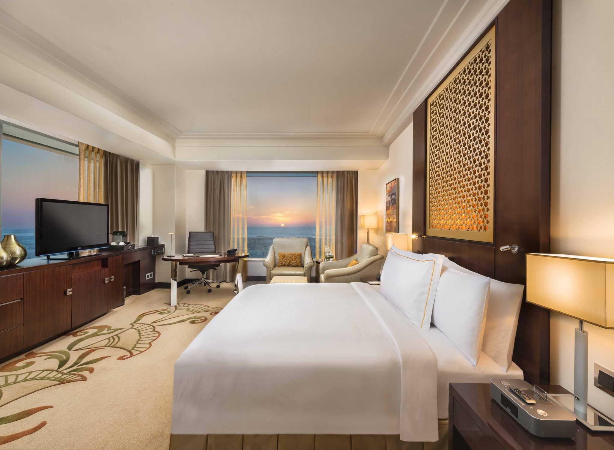 Conrad Dubai Hotel, VAE U2013 Deluxe Zimmer Mit King Size Bett