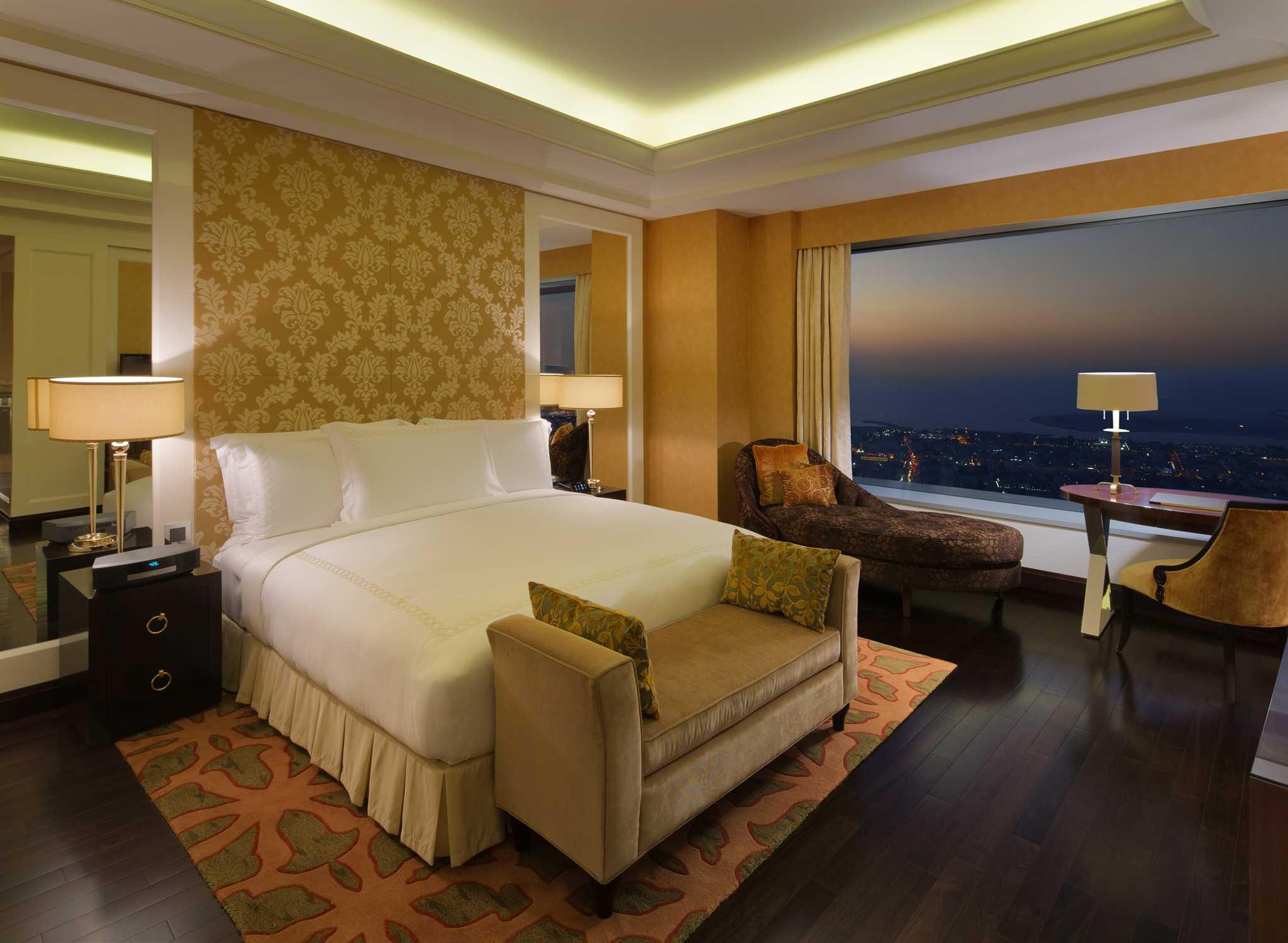 Conrad Dubai Hotel, VAE U2013 Royal Suite