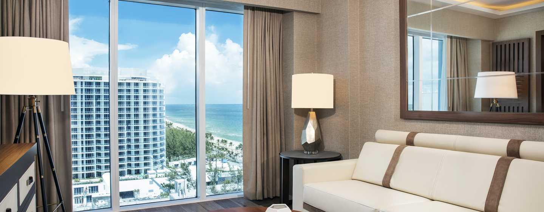 Conrad Fort Lauderdale Beach, EUA – sala de estar da suíte