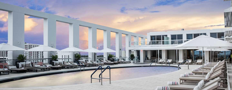 Conrad Fort Lauderdale Beach, EUA – piscina ao ar livre