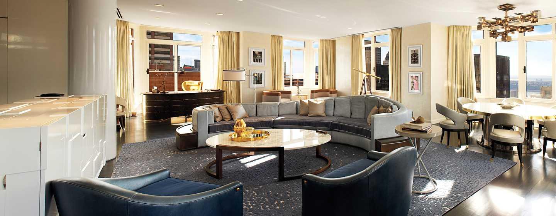 The London NYC, EE. UU. - Sala de estar de la suite Penthouse London