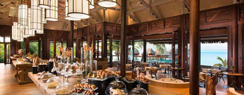 Hôtel Conrad Bora Bora Nui, Polynésie française - Petit déjeuner buffet - Restaurant Iriatai
