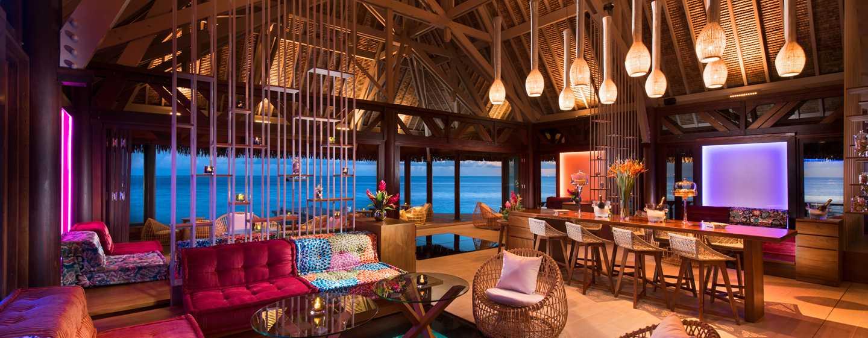 Hôtel Conrad Bora Bora Nui, Polynésie française - Petit déjeuner buffet - Bar d'ambiance sur pilotis Upa Upa