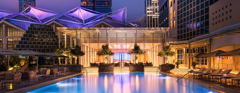 โรงแรม Conrad Centennial Singapore - สระว่ายน้ำ