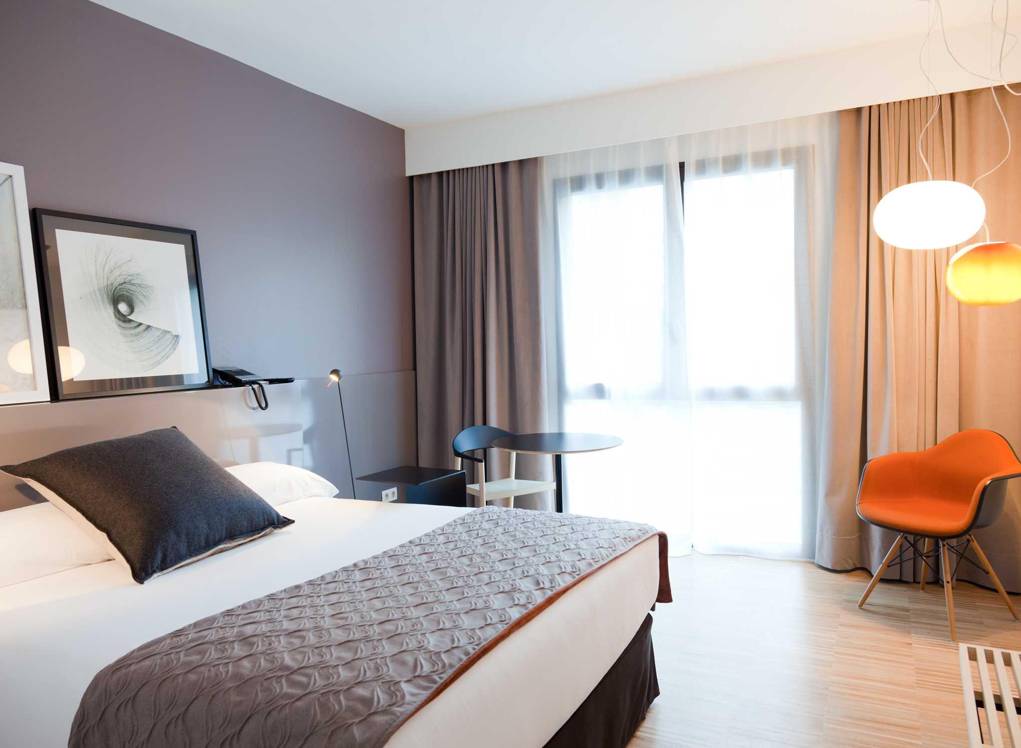 Hoteles en espa a barcelona madrid mallorca hilton - Habitaciones disenos modernos ...