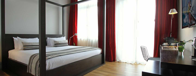 Hotel Anselmo Buenos Aires, Curio Collection by Hilton - Balcón colonial
