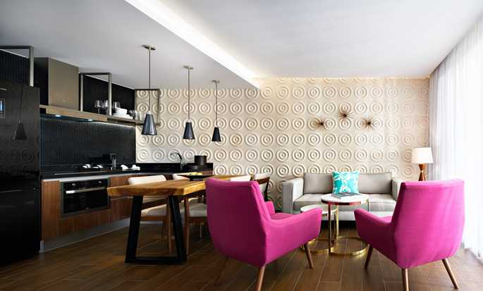The Fives Downtown Hotel & Residences, Curio Collection by Hilton, Playa del Carmen, México - Sala de estar de la suite
