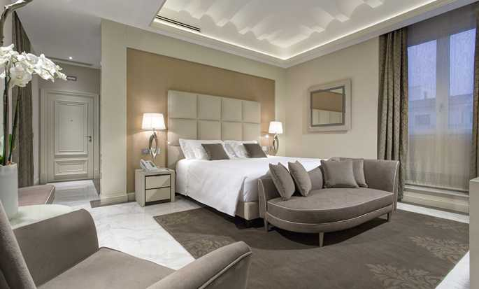 Aleph Rome Hotel, Curio Collection by Hilton, Italia - Camera da letto della Suite Barberini