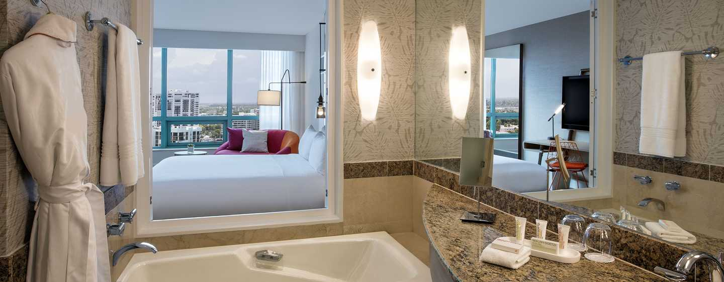 Hotel The Diplomat Beach Resort Hollywood, Curio Collection by Hilton, EE. UU. - Baño