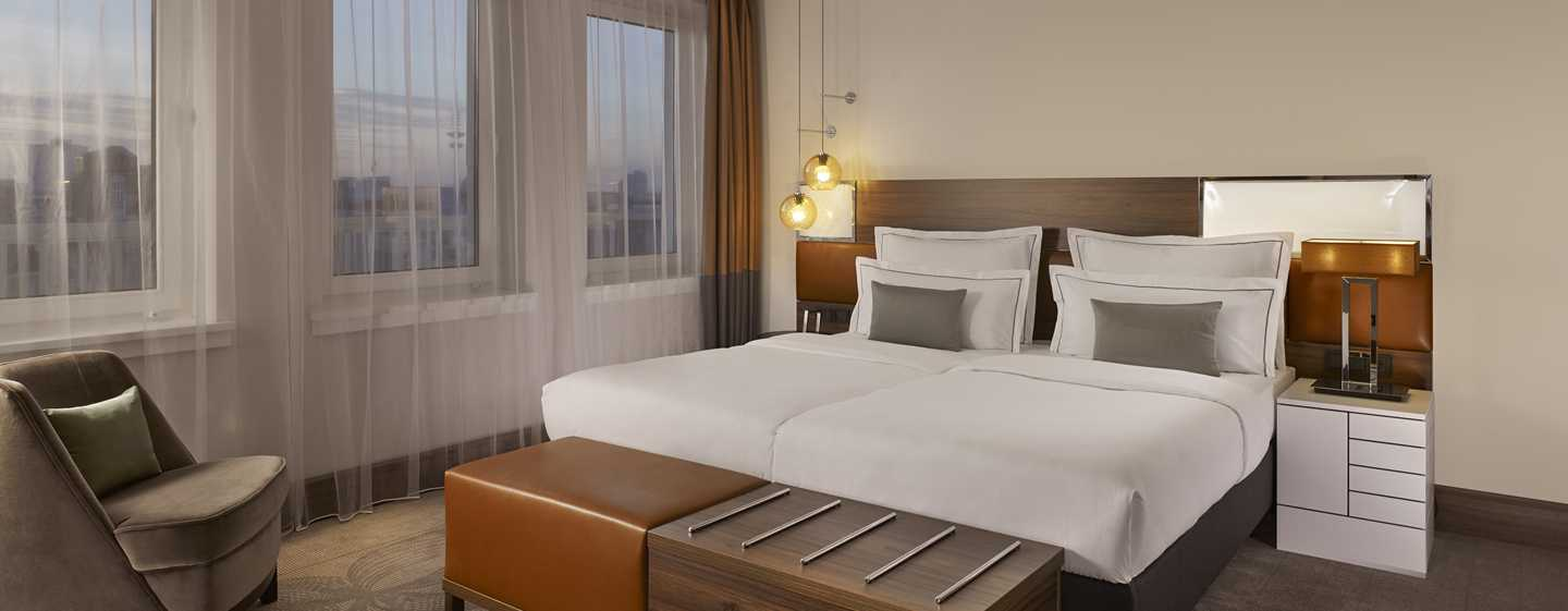 Reichshof Hamburg, Curio Collection by Hilton – One Bedroom Suite