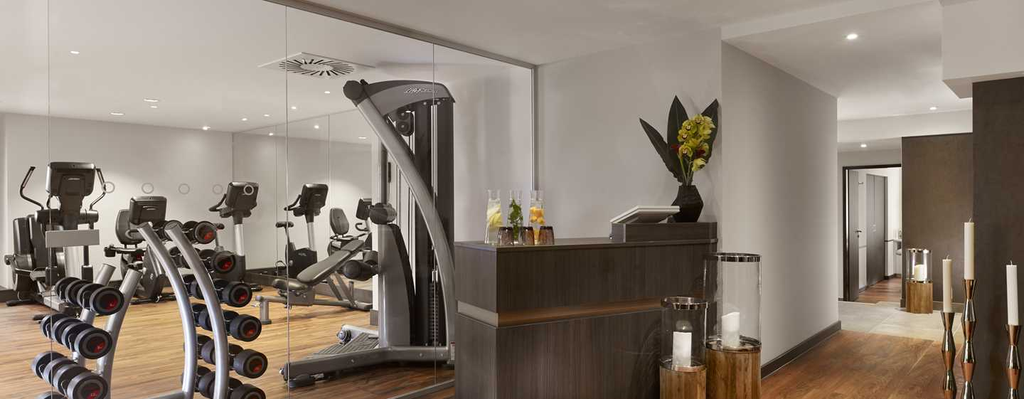 Reichshof Hamburg, Curio Collection by Hilton – SPA & SPORTS