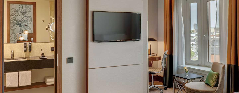 Reichshof Hamburg, Curio Collection by Hilton Hotel, Tyskland – Medium Superior-værelse