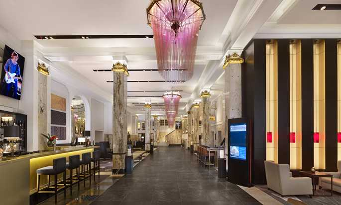 Reichshof Hamburg, Curio Collection by Hilton Hotel, Tyskland – Hotellobby