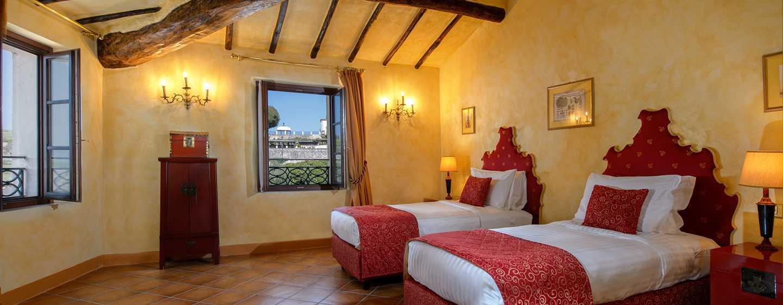 Hôtel La Bagnaia Golf & Spa Resort Siena, Curio Collection by Hilton, Italie - Chambre de luxe Borgo Bagnaia avec lits jumeaux au premier étage