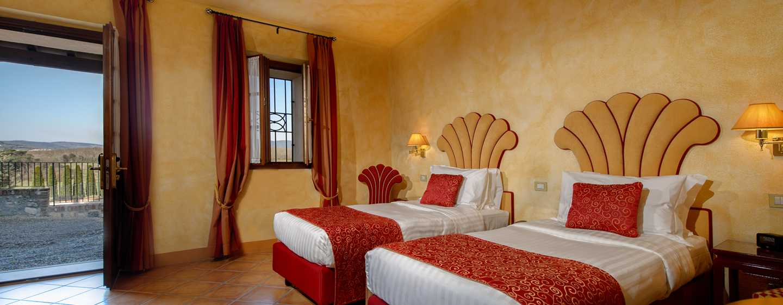 Hôtel La Bagnaia Golf & Spa Resort Siena, Curio Collection by Hilton, Italie - Chambre Borgo Bagnaia avec lits jumeaux