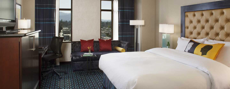 Juniper Hotel Cupertino, Curio Collection by Hilton, Kalifornien, USA– Deluxe Zimmer mit King-Size-Bett
