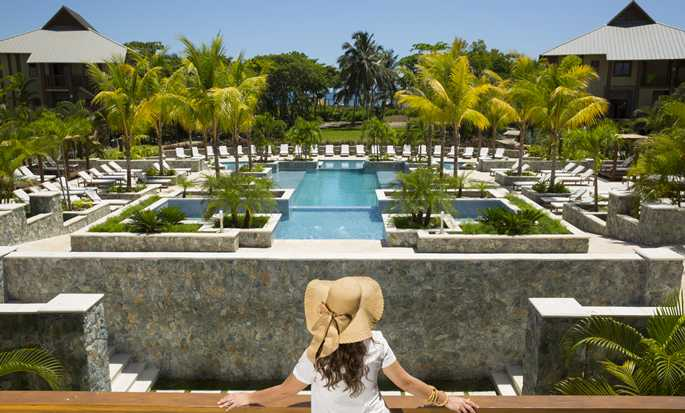 Indura Beach & Golf Resort, Curio Collection by Hilton, Honduras - Majestuosa piscina