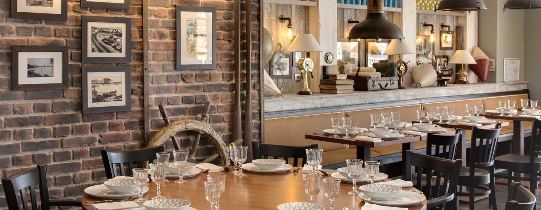 Grand Hotel des Sablettes Plage, Curio Collection by Hilton - Restaurant Le Navigateur