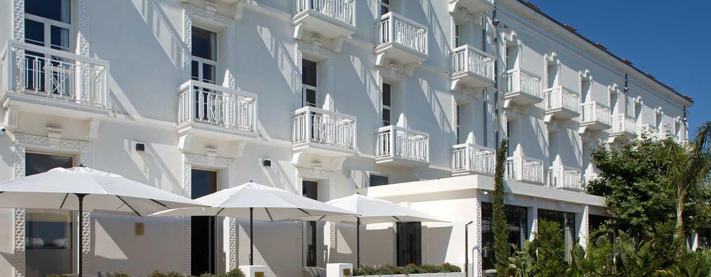 Grand Hotel des Sablettes Plage, Curio Collection by Hilton - Grand Hotel des Sablettes-Terrasse