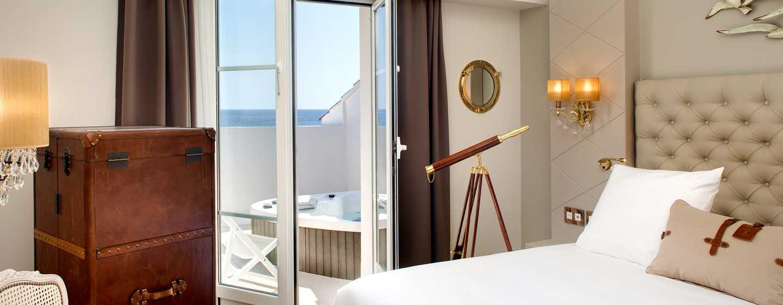 Grand Hotel des Sablettes Plage, Curio Collection by Hilton - Chambre Tropézienne