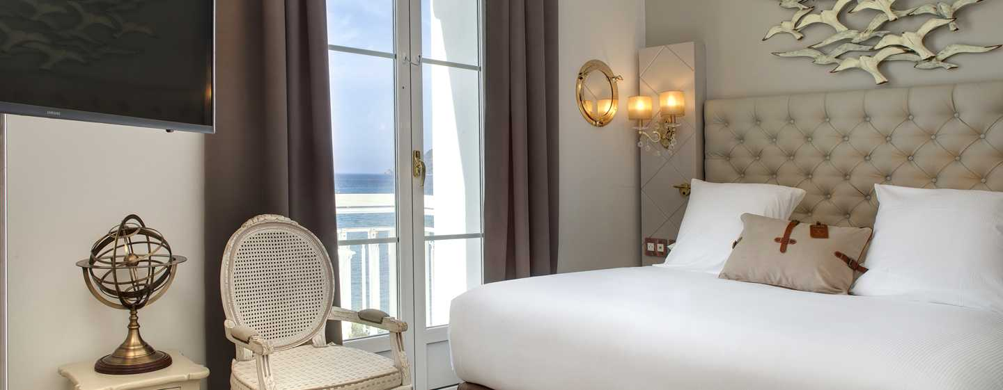 Grand Hotel des Sablettes Plage, Curio Collection by Hilton - Chambre Vue mer