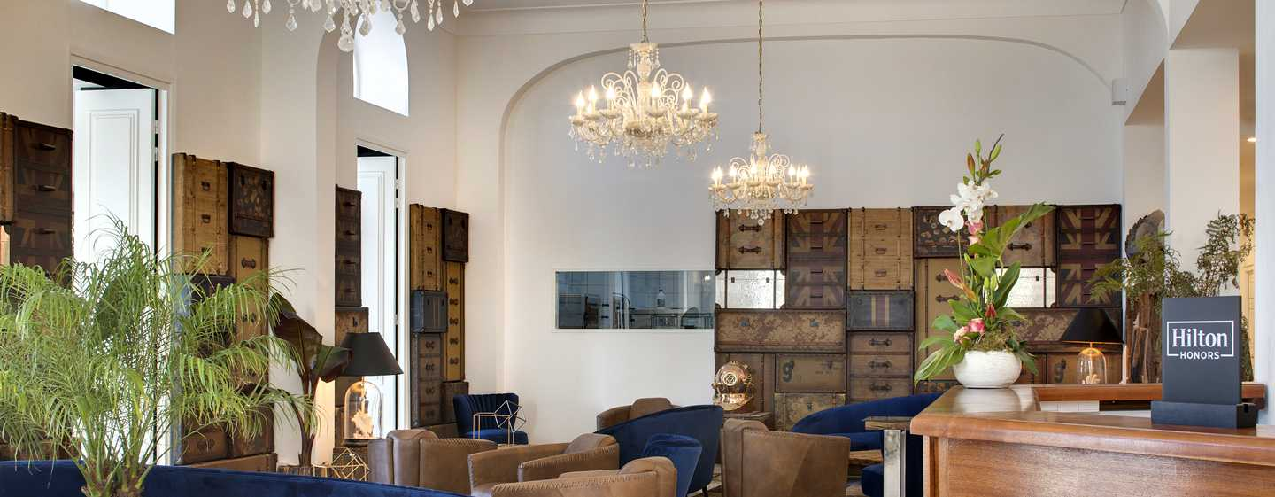 Grand Hotel des Sablettes Plage, Curio Collection by Hilton - Lobby