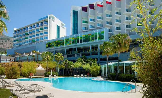 Hoteles en espa a barcelona madrid mallorca hilton for Kapfer pool design mallorca
