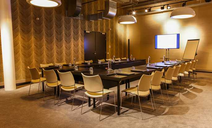 DoubleTree by Hilton Hotel Amsterdam - NDSM Wharf, NL - Meeting Room