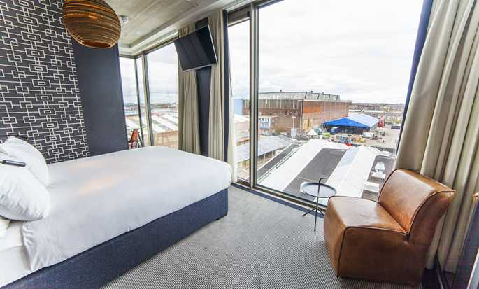 DoubleTree by Hilton Hotel Amsterdam - NDSM Wharf, NL - Queen kamer