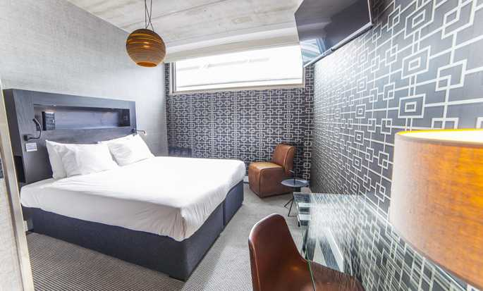DoubleTree by Hilton Hotel Amsterdam - NDSM Wharf, NL - Queen Guest Room