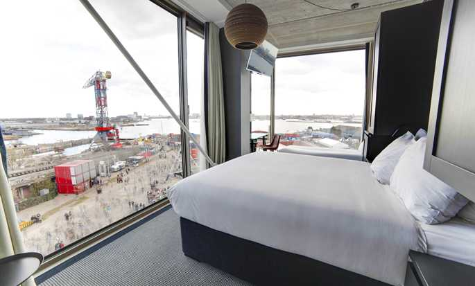 DoubleTree by Hilton Hotel Amsterdam - NDSM Wharf, NL - Queen Superior Guest Room