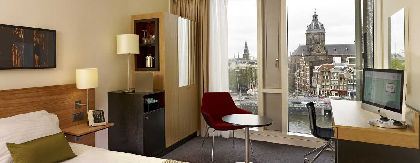 DoubleTree by Hilton Hotel Amsterdam Centraal Station - Queen slaapkamer