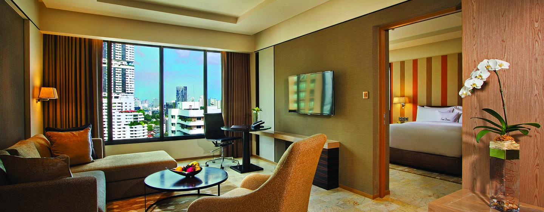 DoubleTree by Hilton Sukhumvit Bangkok - ห้องนั่งเล่นภายในคิงดีลักซ์สวีท