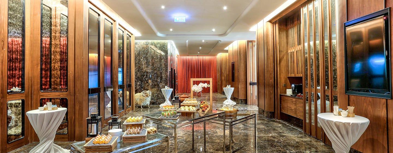 DoubleTree by Hilton Sukhumvit Bangkok - โถงของห้อง Theatre