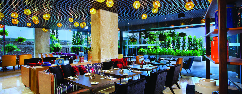 DoubleTree by Hilton Sukhumvit Bangkok - ร้านอาหาร Dee Lite