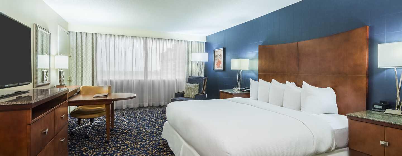 DoubleTree by Hilton Hotel Nashville Downtown, TN – Ryman-suite med seng