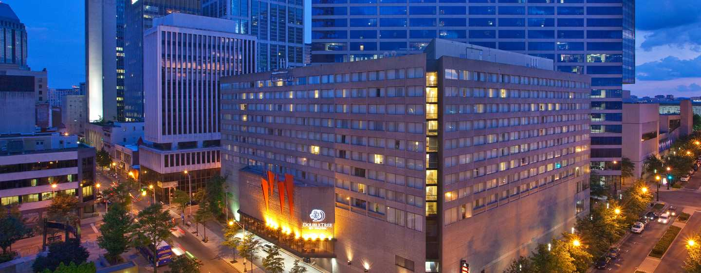 DoubleTree by Hilton Hotel Nashville Downtown, TN, USA – Utvendig om kvelden