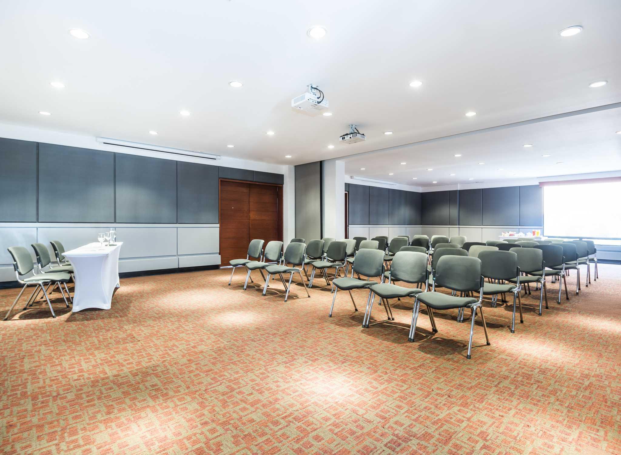 Hotel doubletree hilton bogot calle 100 hotels en bogot for Hotel design 100 bogota