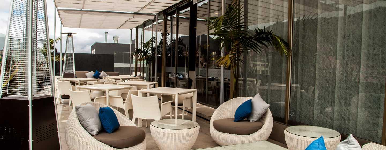Hotel DoubleTree by Hilton Bogotá - Parque 93, Colombia - Terraza
