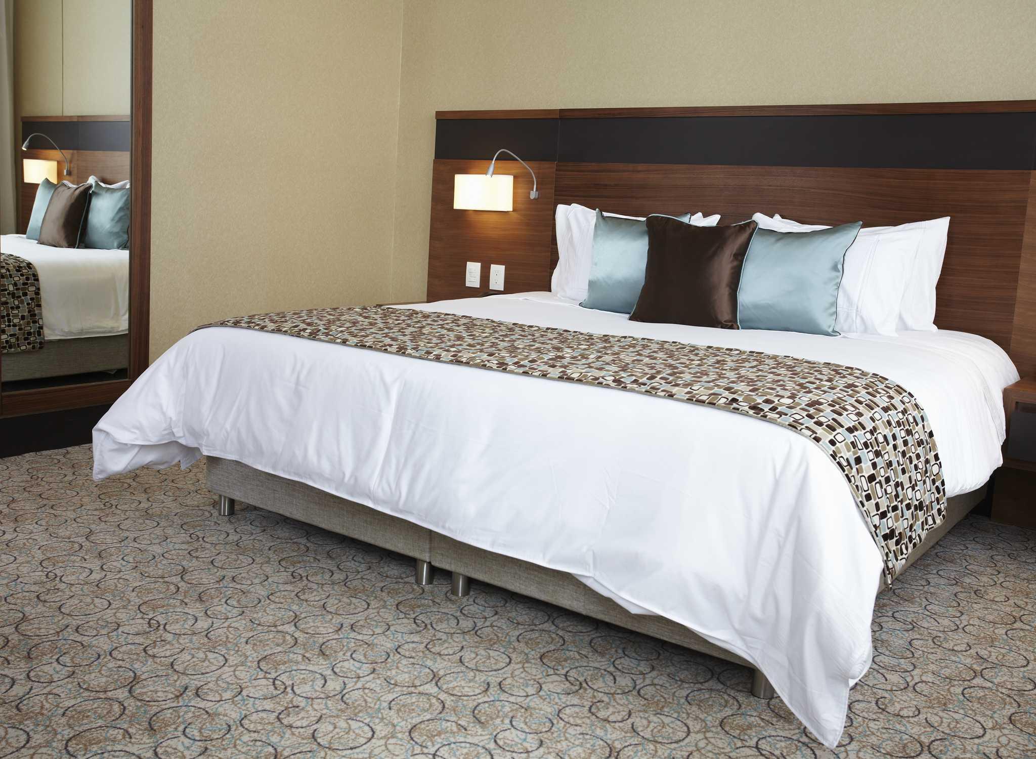 Hotel doubletree hilton bogot parque 93 hoteles en bogot - Que cobra una camarera de pisos ...