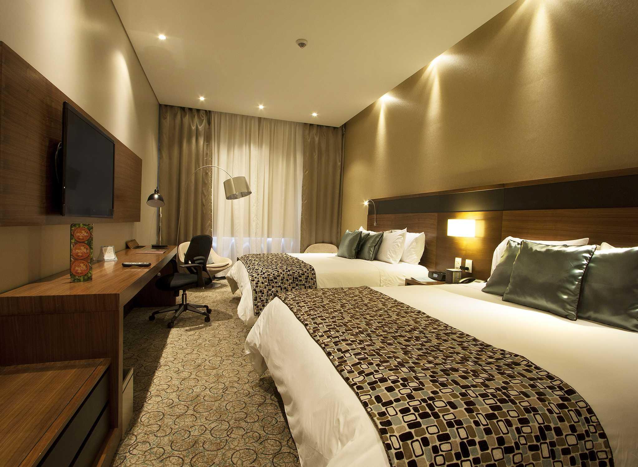Hotel Doubletree By Hilton Bogotá Parque 93 Colombia Dormitorio Con Camas Dobles