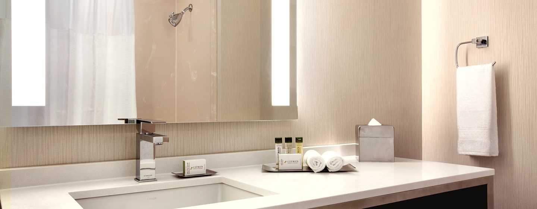DoubleTree by Hilton Hotel Boston – Downtown, USA – Badezimmer eines Standard Zimmers