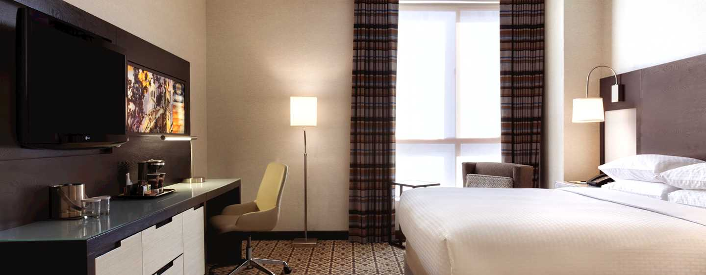 DoubleTree by Hilton Hotel Boston – Downtown, USA – Standard Zimmer mit King-Size-Bett