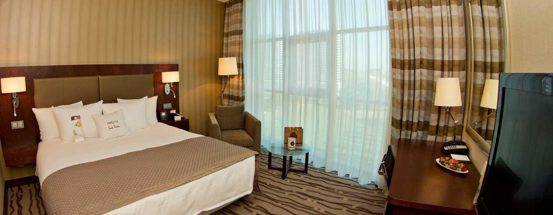 DoubleTree by Hilton Hotel Bratislava, Slovensko – pokoj s lůžkem King
