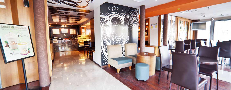 DoubleTree by Hilton Hotel Bucharest – Plac Unirii, Rumunia – Bar kawowy Gloria Jeans