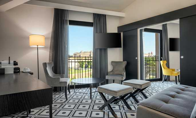 Hôtel DoubleTree by Hilton Carcassonne, France - Suite