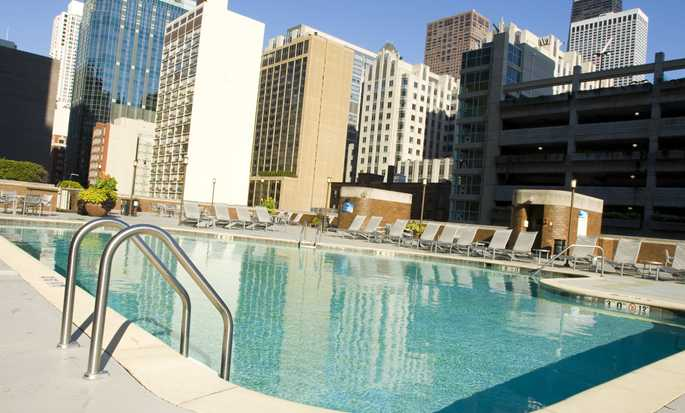 DoubleTree by Hilton Hotel Chicago - Magnificent Mile, VS - Buitenzwembad