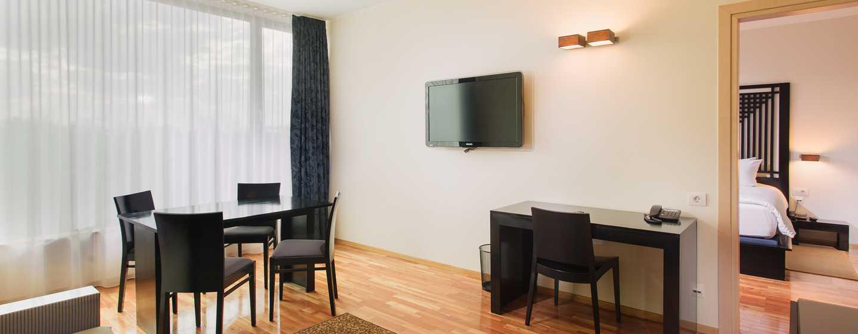 Hotelul DoubleTree by Hilton Cluj – City Plaza, Cluj, România – Cameră de oaspeți