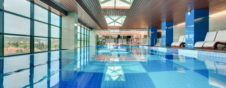 Hotelul DoubleTree by Hilton Cluj – City Plaza, Cluj, România – Piscină interioară