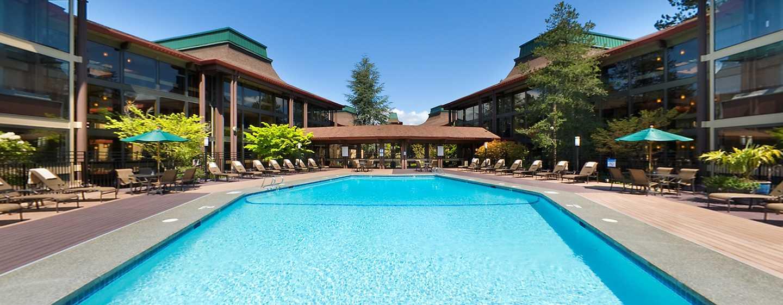 Hôtel DoubleTree by Hilton Hotel Seattle Airport, États-Unis - Piscine extérieure